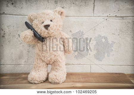 Teddybear on the phone