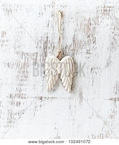 Angel wings-shaped Christmas decoration