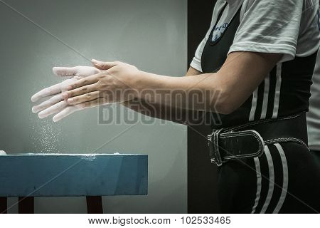hands powerlifting