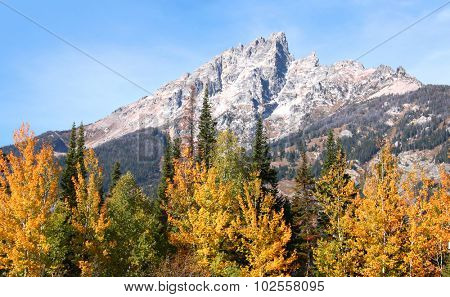 Grand Tetons peaks in autumn time