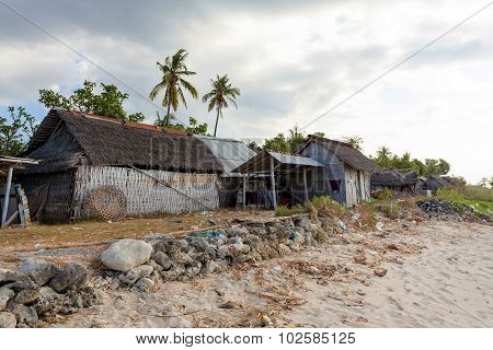 Indonesian House - Shack On Beach