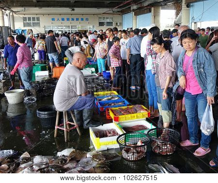 Busy Fish Market In Sinda Port, Taiwan