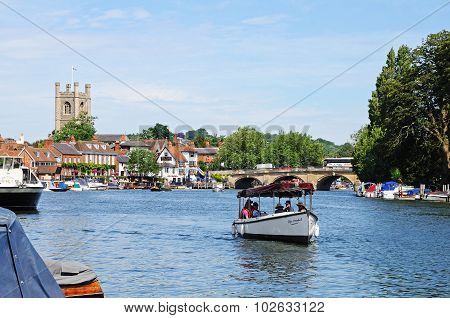View along the river, Henley-on-Thames.