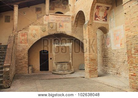 SAN GIMIGNANO, IT - AUGUST 23, 2015: Civic museum