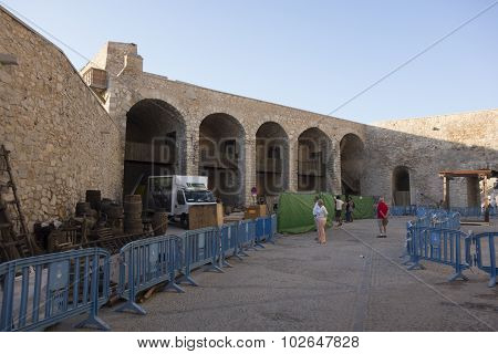 filming set of HBO's Game of Thrones Season six in the Old Castle of Peñiscola.