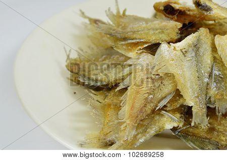 fried Gourami on dish