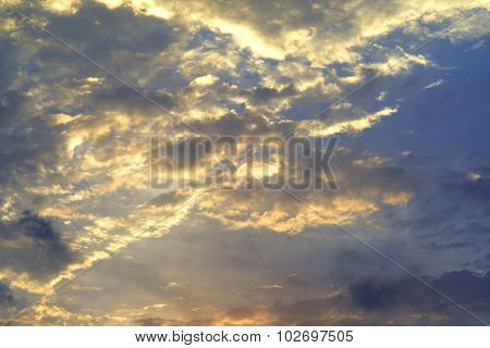Vivid Sky With Dramatic Clouds