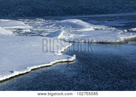 Ice Floes At Glacier Lagoon Jokulsarlon, Iceland