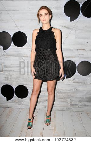 LOS ANGELES - SEP 24:  Zoey Deutch at the VIP Sneak Peek Of go90 Social Entertainment Platform at the Wallis Annenberg Center for the Performing Arts on September 24, 2015 in Los Angeles, CA