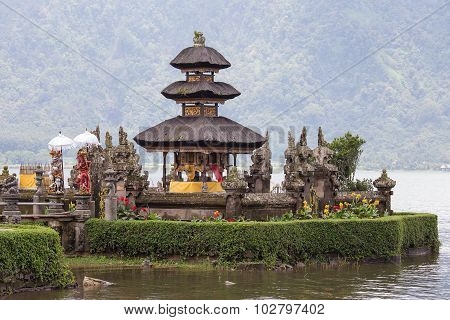 Temple Ulun Danu Bratan On The Lake In Bali , Indonesia