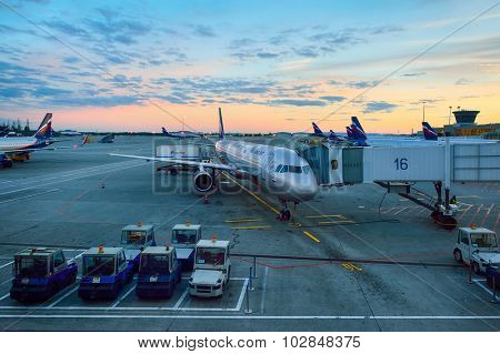 MOSCOW, RUSSIA - AUGUST 19, 2015: Aeroflot aircraft docked in Sheremetyevo airport.  Aeroflot is the flag carrier and largest airline of the Russian Federation