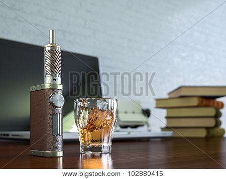 Ecig battery mod plus whiskey glass