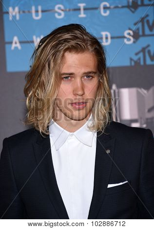 LOS ANGELES - AUG 30:  Austin Butler 2015 MTV Video Music Awards - Arrivals  on August 30, 2015 in Hollywood, CA