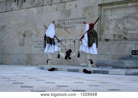 Athen 244
