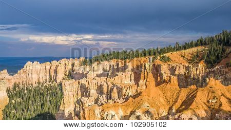 Bryce Canyon With Spectacular Hoodoos