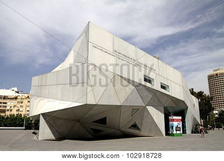 The New Building Of The Museum Of Art In Tel Aviv. Origami Style