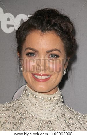 LOS ANGELES - SEP 26:  Bellamy Young at the TGIT 2015 Premiere Event Red Carpet at the Gracias Madre on September 26, 2015 in Los Angeles, CA