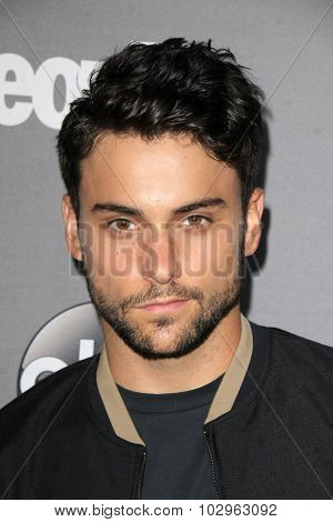 LOS ANGELES - SEP 26:  Jack Falahee at the TGIT 2015 Premiere Event Red Carpet at the Gracias Madre on September 26, 2015 in Los Angeles, CA