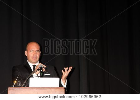 LOS ANGELES - SEP 25:  Billy Zane at the Catalina Film Festival Friday Evening Gala at the Avalon Theater on September 25, 2015 in Avalon, CA