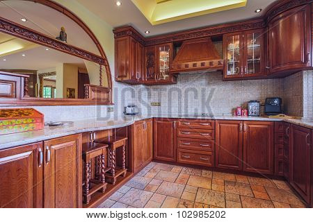 Spacious Wooden Kitchen Interior