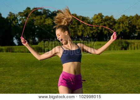Girl doing a workout outdoors.