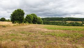 pic of paysage  - Countryside of Perche under a cloudy sky close to Mortagne - JPG
