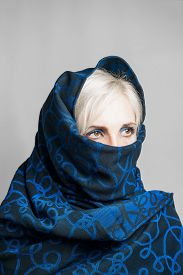 picture of yashmak  - Blonde girl in a blue - JPG
