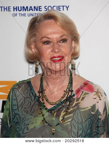 LOS ANGELES - MAR 19: Tippi Hedren arrives to the 25th Annual Genesis Awards  on March 19, 2011 in Century City, CA