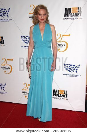 LOS ANGELES - MAR 19:  Elaine Hendrix arrives to the 25th Annual Genesis Awards  on March 19, 2011 in Century City, CA