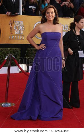 LOS ANGELES - JAN 30:  Mariska Hargitay arrives at the the SAG Awards 2011 on January 30, 2011 in Los Angeles, CA