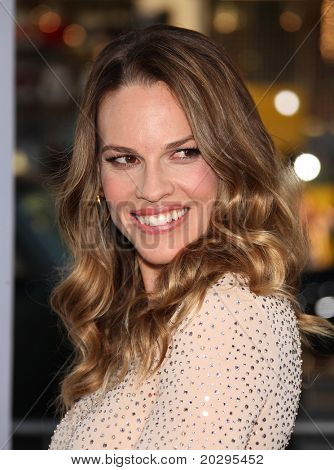 """LOS ANGELES - MAY 03:  Hilary Swank arrives to the """"Something Borrowed"""" World Premiere  on May 03,2011 in Hollywood, CA"""