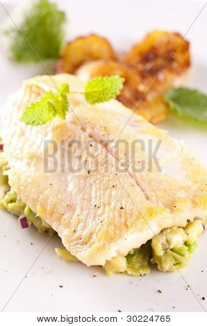 trout fried with avocado tatar