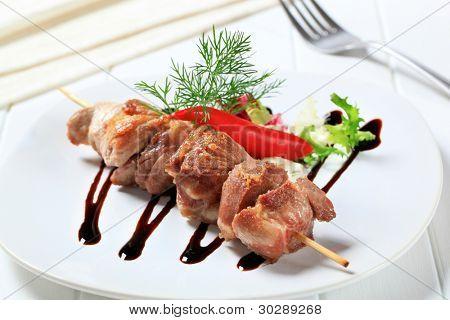 Grilled pork skewer with vegetables