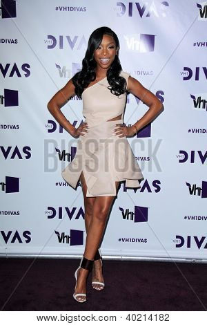 LOS ANGELES - DEC 16:  Brandy Norwood arriving at the VH1 Divas Concert 2012 at Shrine Auditorium on December 16, 2012 in Los Angeles, CA