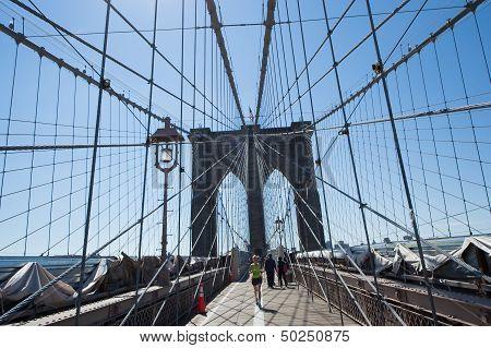 Run On Brooklyn Bridge