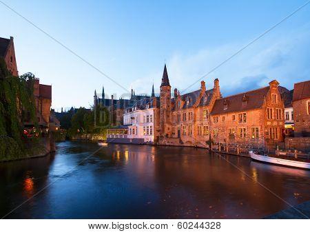night scene of old Brugge