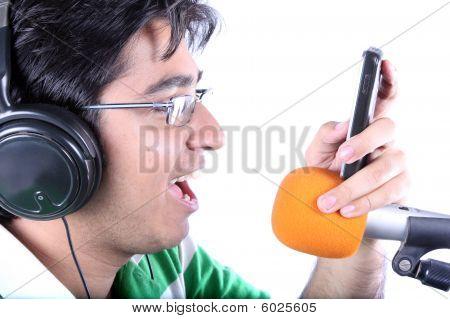Dialer Tone Singer
