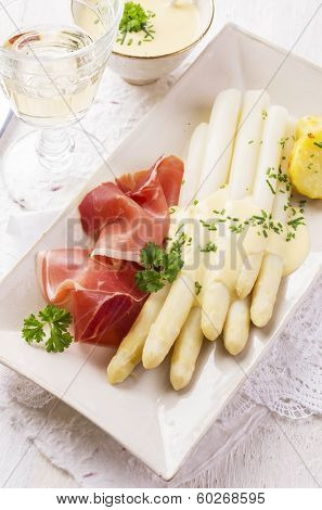 asparagus with prosciutto