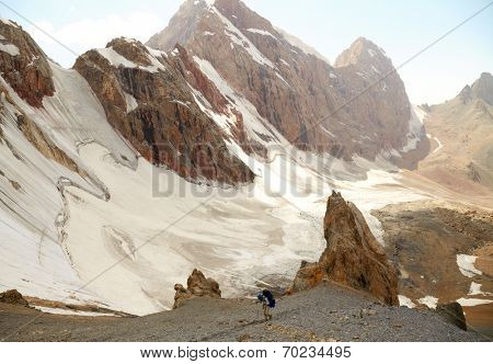 FANN MOUNTAINS, TAJIKISTAN - AUGUST 09: Tourists in the hi Fann mountains on august 09, 2014, Tajikistan.
