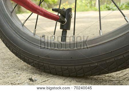 Inflating used bicycle wheel