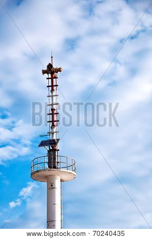 Broadcasting Antenna Using Solar Energy With Blue Sky
