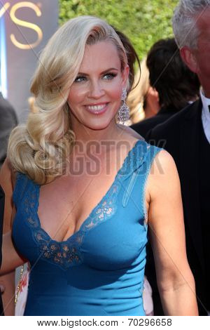 LOS ANGELES - AUG 16:  Jenny McCarthy at the 2014 Creative Emmy Awards - Arrivals at Nokia Theater on August 16, 2014 in Los Angeles, CA