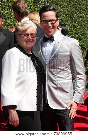 LOS ANGELES - AUG 16:  Myriam Bucatinsky, Dan Bucatinsky at the 2014 Creative Emmy Awards - Arrivals at Nokia Theater on August 16, 2014 in Los Angeles, CA