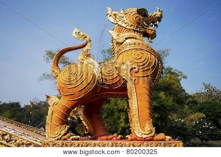 Thai golden lion statue style