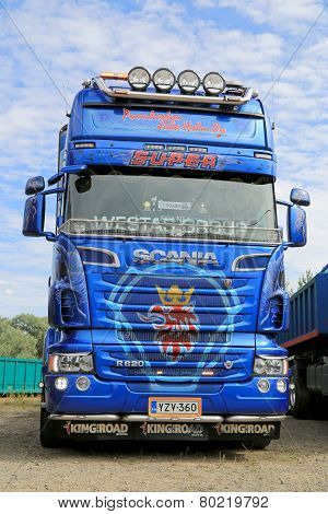 Blue Scania R620 V8 Truck Tractor