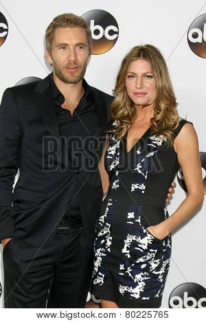 LOS ANGELES - JAN 14:  Brett Tucker, Jes Macallan at the ABC TCA Winter 2015 at a The Langham Huntington Hotel on January 14, 2015 in Pasadena, CA