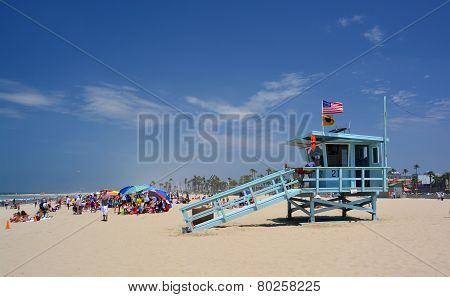 Life Guard Hut At Venice Beach On A Beautiful Summer Day.