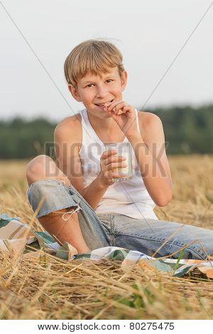 Teenage boy wearing dental retainers