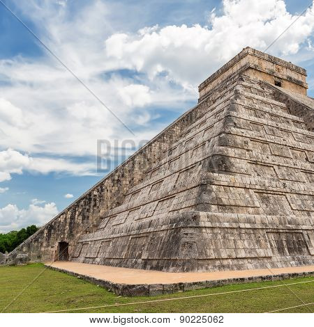 Chichen Itza, Mayan Pyramid In Yucatan, Mexico