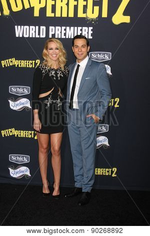 LOS ANGELES - MAY 9:  Anna Camp, Skylar Astin at the